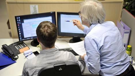 Työnantajat arvostavat ominaisuutena nuorissa korkeakoulutetuissa heidän halukkuuttaan ja kykyään oppia uusia taitoja.