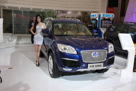 Kehitys on hypännyt tästä ajasta jo huimasti. Kuvassa IS:n Shanghaissa vuonna 2011 kuvaama Hawtai -merkkinen kiinalaistuotos.