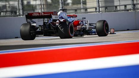 Kimi Räikkönen puhui suoraan tiimiradiossa.