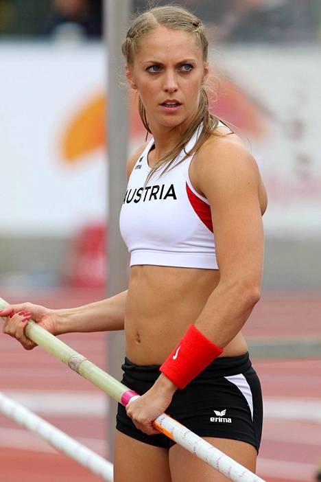 Grünberg oli ennen onnettomuuttaan lupaava seiväshyppääjä. Kesän 2015 alle 23-vuotiaiden EM-kisoissa, viimeisissä kisoissaan ennen halvaantumista, hän sijoittui neljänneksi.