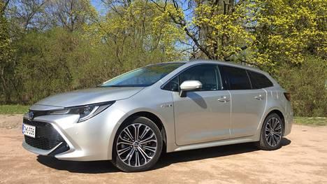 Toyota Corolla pysyy suomalaisten suosikkina.