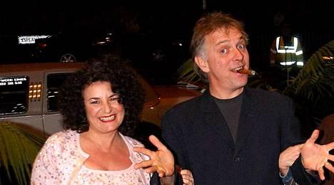 Rik Mayall ja hänen vaimonsa Barbara vuonna 2004.