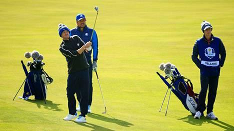 Tom Felton ja Teemu Selänne edustivat julkkisten golfkisassa Euroopaa.
