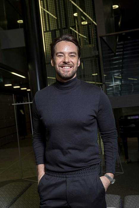 Mikko Leppilampi aloitti hiljattain uuden aluevaltauksen Radio Novan kesäjuontajana.