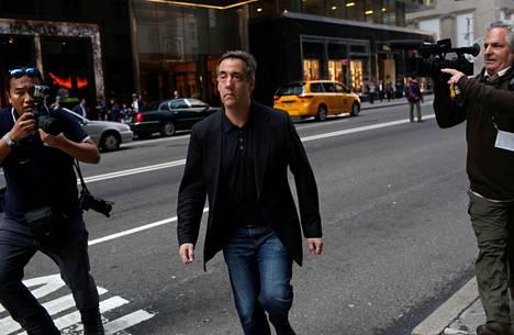 Donald Trumpin ex-asianajaja Michael Cohen kadulla New Yorkissa 4. toukokuuta 2019.