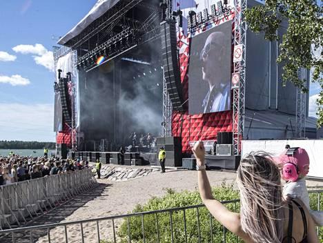 Toni Wirtasen vaimo Jannika B ja Martta-tytär seurasivat Apulannan keikkaa Helsingissä viime kesäkuussa.