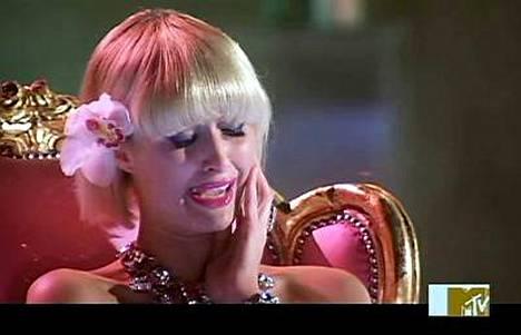 Paris Hiltonin oli vaikea luopua uudesta ystäväehdokkastaan.
