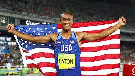 Eaton rikkoi olympiaennätyksen.