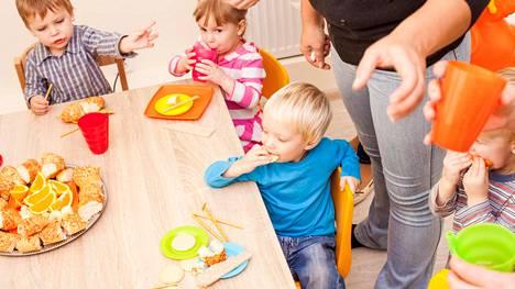 Moni lastentarhanopettaja kärsii kiireestä ja uupumuksesta.