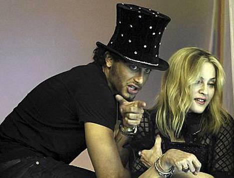 Jesuksella ei voisi olla parempaa taustatukea popuralleen kuin tyttöystävä Madonna.
