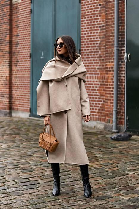 Vai saisiko sittenkin olla tyylikästä villakangasta? Katumuotia Kööpenhaminan muotiviikoilta.