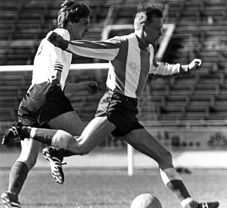 Jouko Kiistala (oik.) siirtyi kaudeksi 1970 etelään HJK:n hyökkääjäksi.