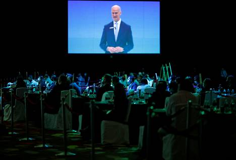 Singaporessa on pidetty myös esimerkiksi konferensseja. Kuva Geo Connect Asia -konferenssista, joka pidettiin maaliskuun lopulla. Vapaaehtoisten osallistujien liikkeitä seurattiin paikannuslaitteilla, jotta järjestäjät pystyivät tarkistamaan, rikkoivatko osallistujat hallituksen ohjeita koskien esimerkiksi etäisyyden pitämistä.