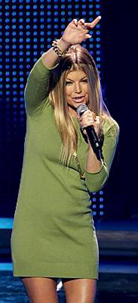Black Eyed Peasissa vaikuttava Fergie on tykästynyt myös naisiin.
