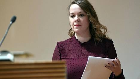 Konsulttiyhtiö Tekir on valmentanut valtiovarainministeri Katri Kulmunia (kesk) esimerkiksi puheen pitämiseen ja esiintymisiin sekä yksittäistä haastattelua varten.
