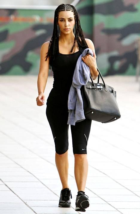 Kim Kardashianilla monia kertoja nähty cornrow-kampaus on sekin herättänyt paheksuntaa.