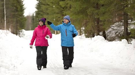 Kävelyn lisääminen kannattaa tehdä asteittain erityisesti, jos oma aktiivisuus on ollut erittäin vähäistä.