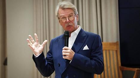 Björn Wahlroosin mukaan sijoittamisen perusopit ovat säilyneet pandemiasta, vaaleista ja talousromahduksista huolimatta.