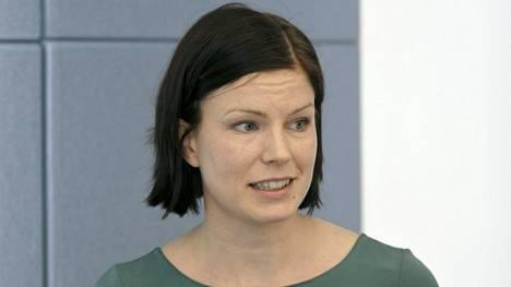 Ekonomisti Sanna Kurrosen mukaan työvoimapulaa on nyt ratkottava ripeästi.
