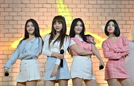 Kuvassa K-pop bändi Brave Girls.