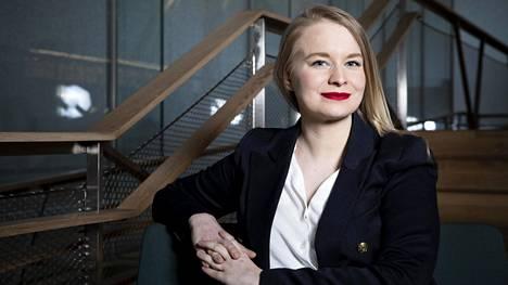 Nykyään Helena Kastikaisella on oma yritys ja hän tekee esimerkiksi puhujakeikkoja.