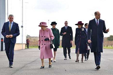 Kaikki Elisabetin ja Williamin kanssa tekemisissä olleet testattiin brittimedian tietojen mukaan koronan varalta.