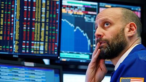 Lasku oli laajaa ja suuryhtiöiden Dow Jones -indeksille kirjattiin jyrkin pistemääräinen lasku historiassa.