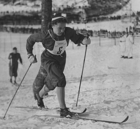 Suomalaisnaiset ottivat Lydia Widemanin johdolla kolmoisvoiton Oslon olympialadulla 1952.