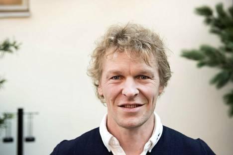 Toni Niemiseen yhdistetty, 39-vuotias oululaisnainen totesi Ilta-Sanomille, ettei ollut kolmantena osapuolena Niemisten erossa.