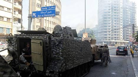Armeija on tullut Beirutissa kaduille levottomuuksien vuoksi.