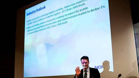 Nokian toimitusjohtaja Olli-Pekka Kallasvuo arvioi vuoden 2009 tammikuussa, että varsinkin vuoden alkupuoliskolla kännykkämyynti vähenee jyrkästi.