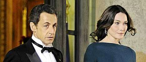 Ranskan presidentin Nicolas Sarkozyn ja hänen malli-laulajavaimonsa Carla Bruni-Sarkozyn ympärillä pyörivät sitkeät huhut avioliiton ulkopuolisista suhteista.