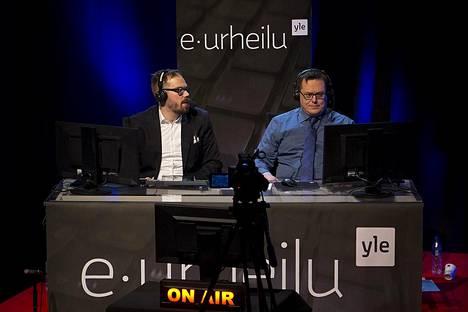 """Juha """"aNGeldusT"""" Kurppa ja Teemu """"wabbit"""" Hiilinen selostavat turnauksen."""