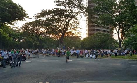 Ilta-Sanomien lukija kuvasi ihmisten evakuoimisen.