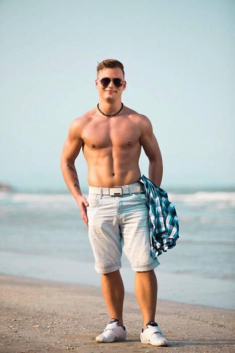 Tämännäköisenä Bile-Dani eli Daniel Lehtonen nähtiin Temptation Island Suomi -sarjassa vuonna 2015. Lehtonen arvelee, että kiloja on kertynyt, koska hän on ollut laiska.