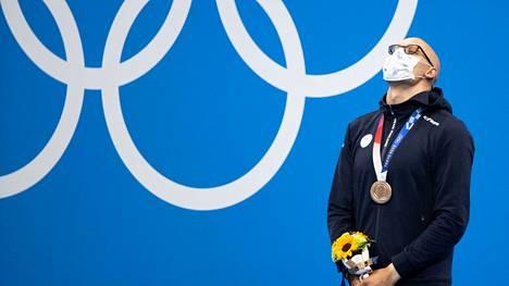 Tomi Pystynen valmensi Matti Mattssonin samanväriseen arvokisamitaliin kuin Eetu Karvonen. Pystysen valmennuksessa se tuli MM-, Karvosen ohjauksessa torstaina olympiatasolta.