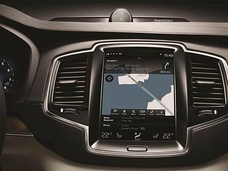 Volvon XC90-huippumalli viestii kuljettajan kanssa suuren kosketusnäytön välityksellä.