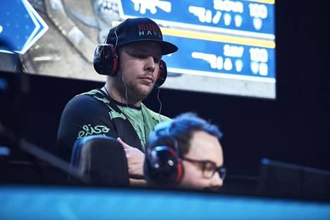 """Taneli """"disturbed"""" Veikkola valmentaa HAVU-joukkuetta. Hän on entinen CS-ammattilainen."""