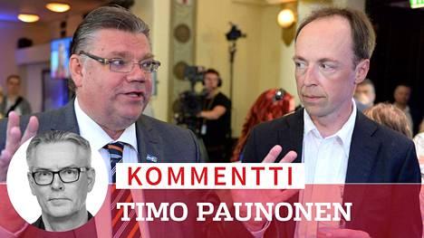 Timo Soini ja Jussi Halla-aho perussuomalaisten europarlamenttivaalien vaalivalvojaisissa 2014.