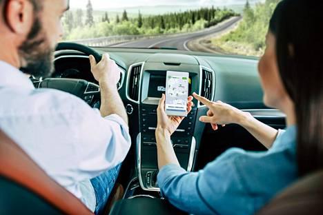 Tuoreen tutkimuksen mukaan ajoneuvomatkailijat haluavat varata leirintäpaikan verkkovarausjärjestelmän kautta. Sekä BestParkin että Matkaparkki.com:in edustamien matkaparkkien varaukset ja maksut hoituvat sovelluksen avulla.