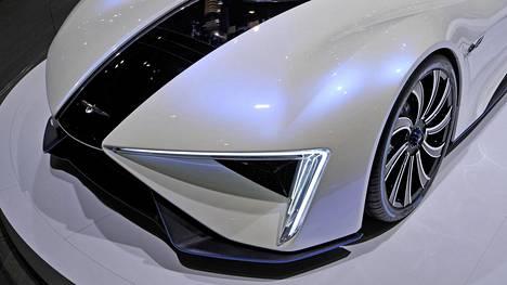 Tämä hätkähdyttävä autouutuus esiteltiin viime sunnuntaina päättyneessä Geneven autonäyttelyssä.