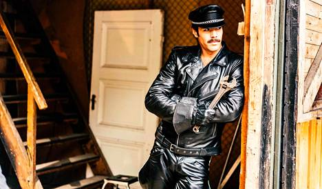 Tom of Finland -elokuvassa pureudutaan Touko Laaksosen elämään.