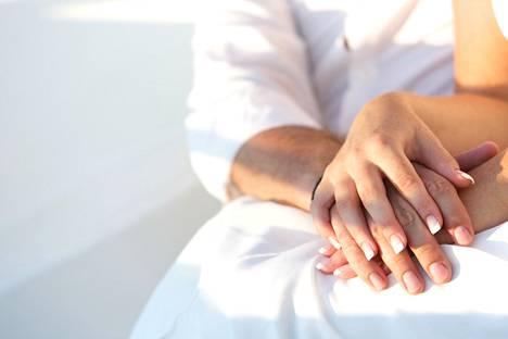 Luottamus, turva ja kunnioitus ovat parisuhteen peruskalliota.