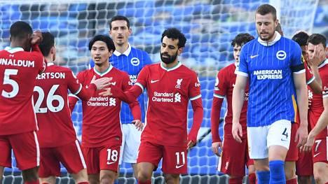 Liverpool joutui tyytymään tasapeliin Brightonin vieraana. Mohamed Salahin (kesk.) osuma hylättiin paitsiona.