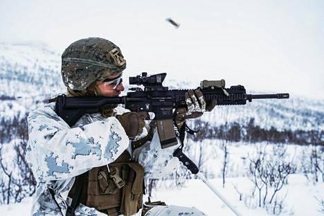 Yhdysvallat on sijoittanut 700–800 merijalkaväen sotilasta Stjørdaliin, Norjaan, osana Naton pelotetta. Kuva talvitoimintaharjoituksesta Setermoenissa 20. marraskuuta.