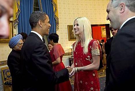Kuokkavieraat pääsivät näin lähelle Obamaa.