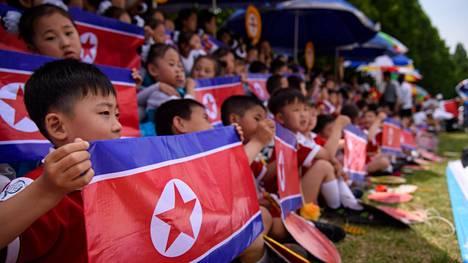 Lapsia Pohjois-Koreassa.