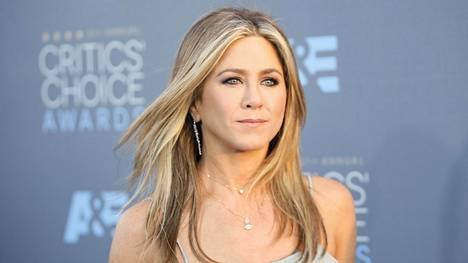 Jennifer Aniston saapui Critics Choice Awards -palkintogaalaan 17. tammikuuta Santa Monicassa.