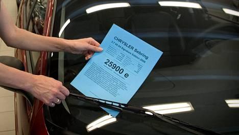 Suomessa autoilija maksaa itsensä kipeäksi verrattuna esimerkiksi Viroon ja Puolaan.