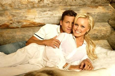 Tammikuussa 2007 pari poseerasi onnellisena Levillä otetuissa kuvissa.